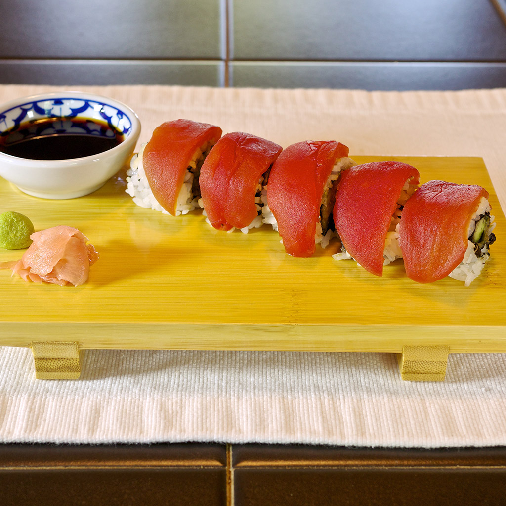 This Vegetarian Sushi Looks Almost Just Like Tuna