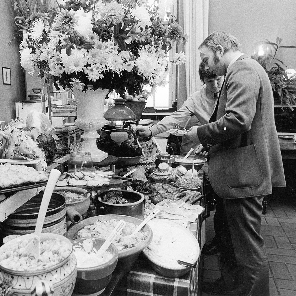 HISTORY OF ALL YOU CAN EAT BUFFET FWX