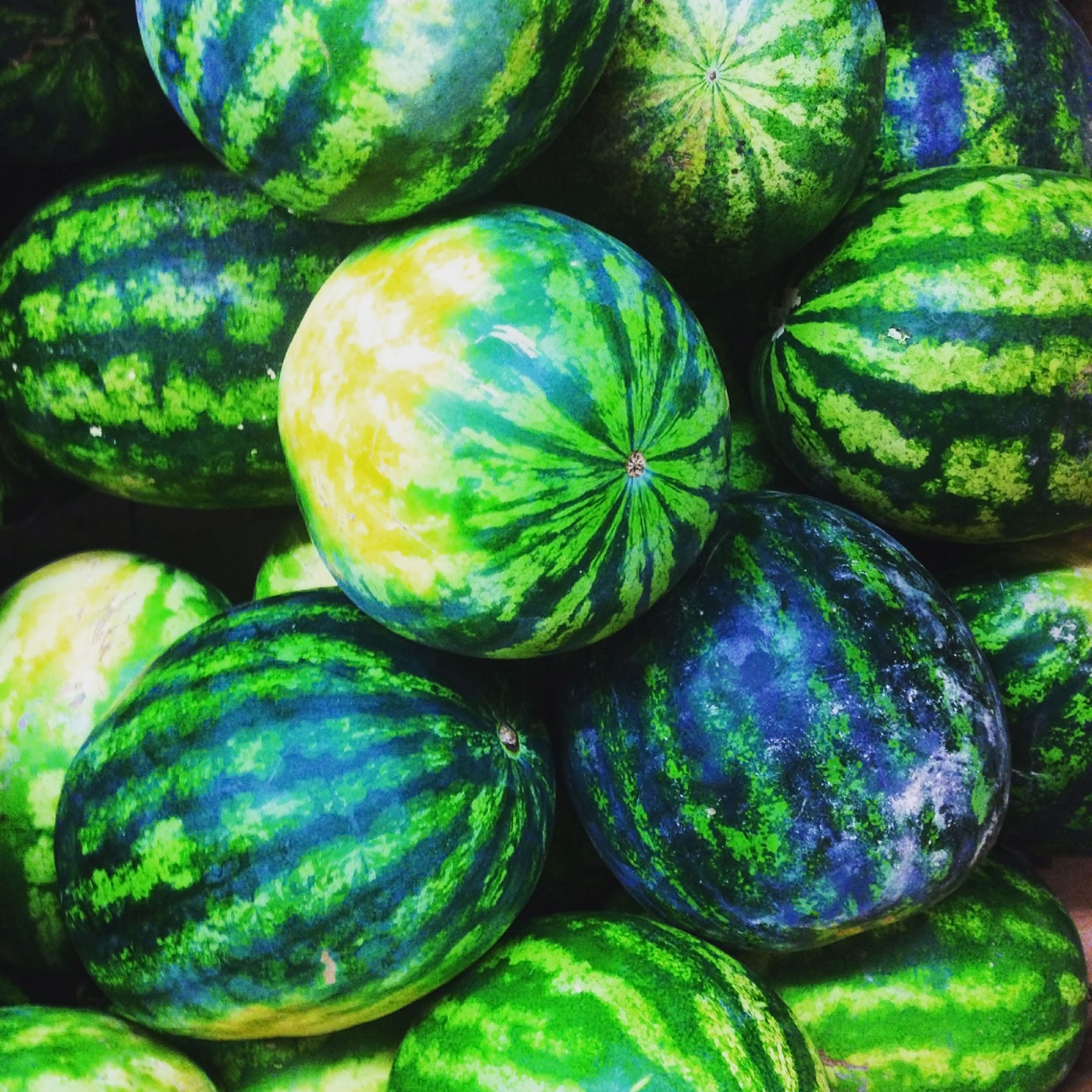 how-to-pick-a-ripe-watermelon-purewow-partner-fwx