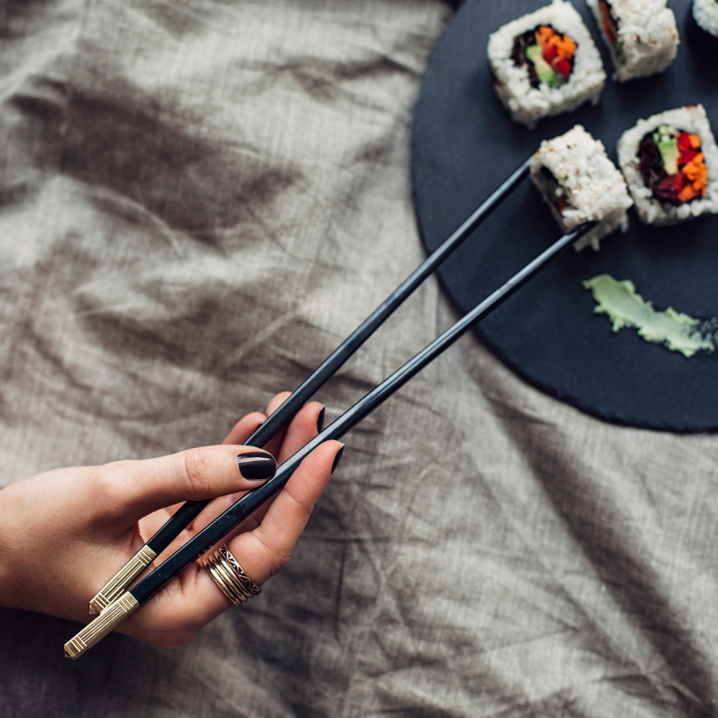 Watch a Sushi Chef Demonstrate Perfect Chopstick Form