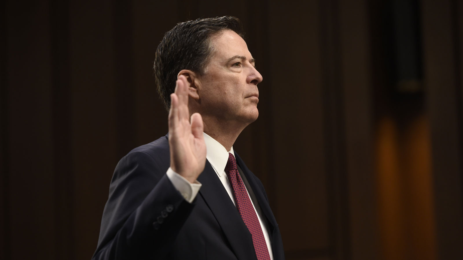 james-comey-tweets-drinks-FT-BLOG0617.jpg