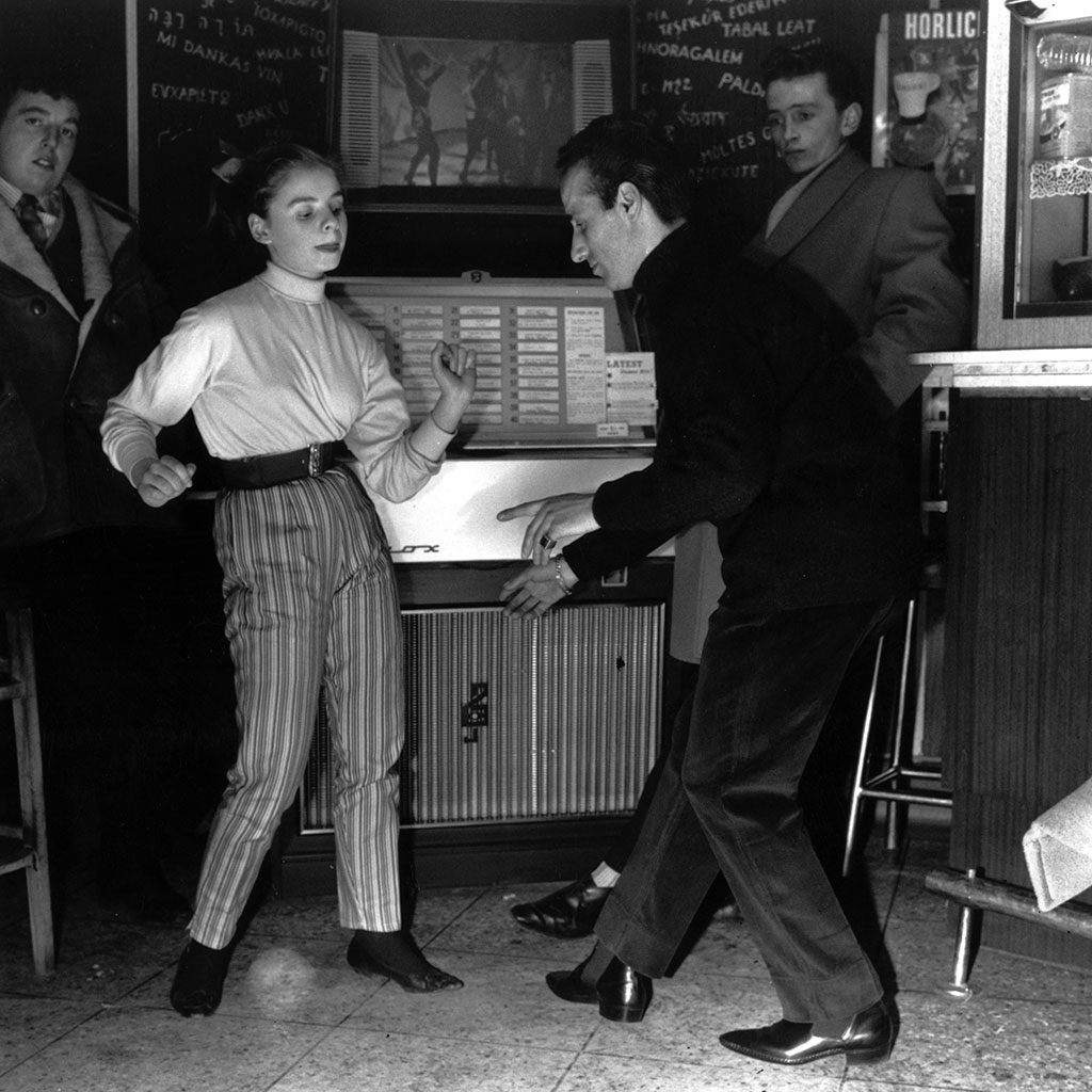 4 Jukebox Songs to Play for Any Occasion, As Picked by a Chef/DJ
