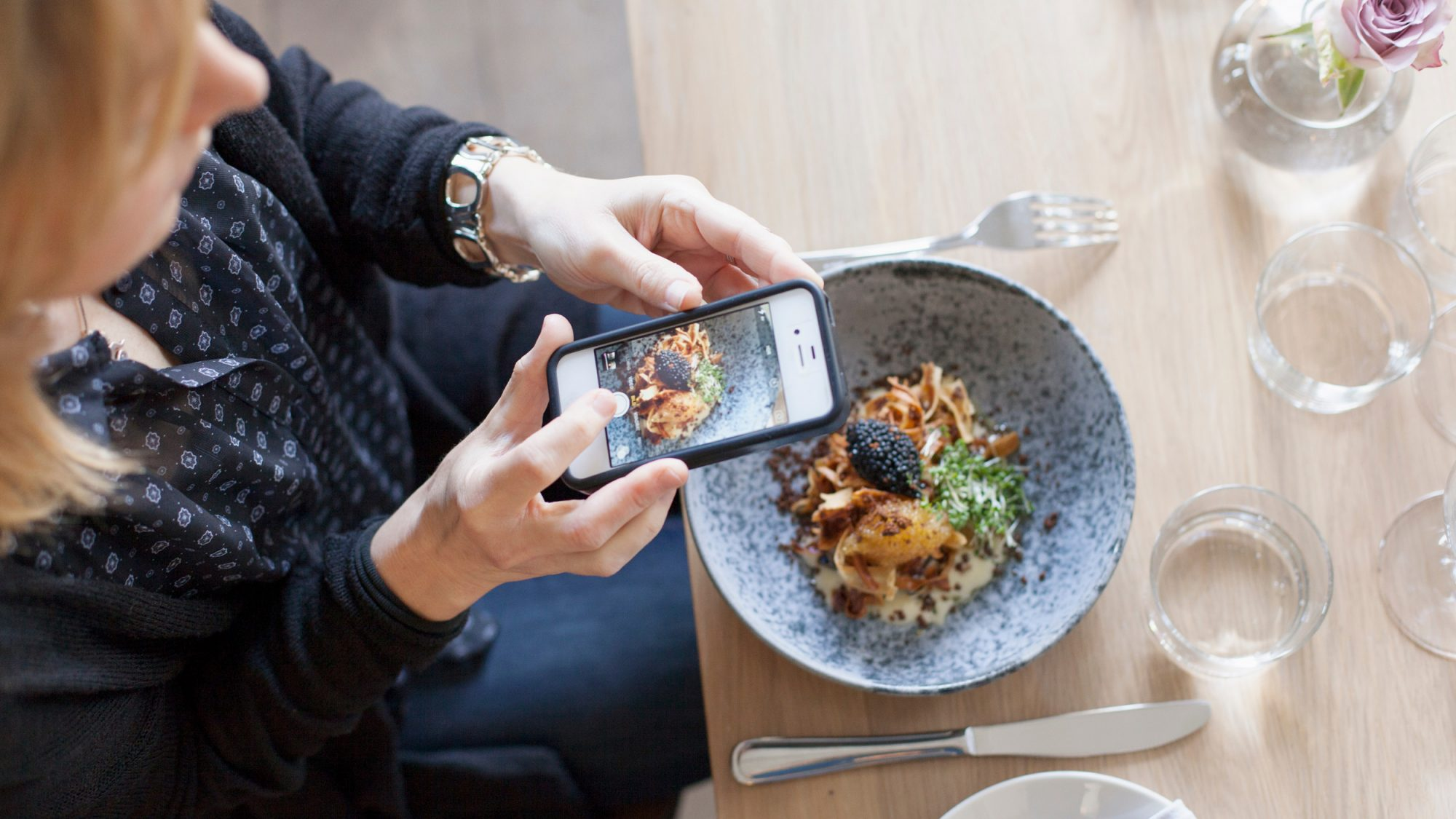 Feed Hungry People by Deleting Your Instagram Pics