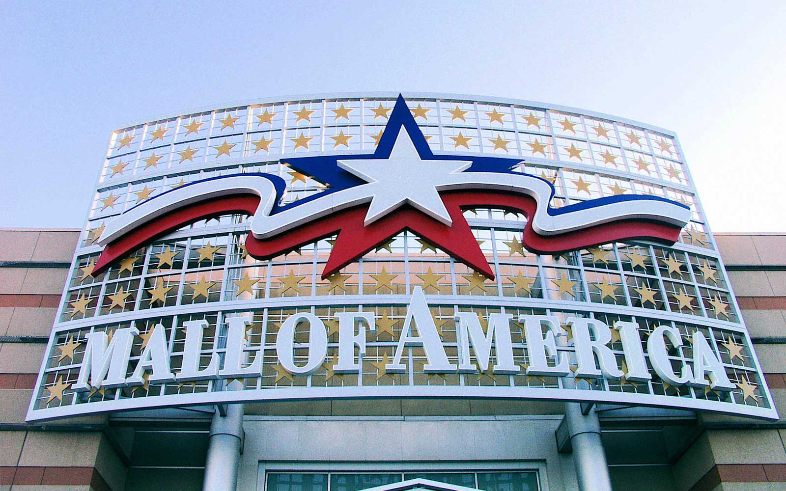 This Job Will Pay You to Live Inside of the Mall of America for Five Days