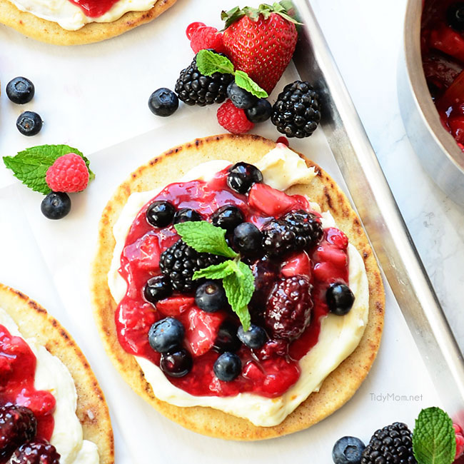 breakfast pizza, breakfast, pizza, berry