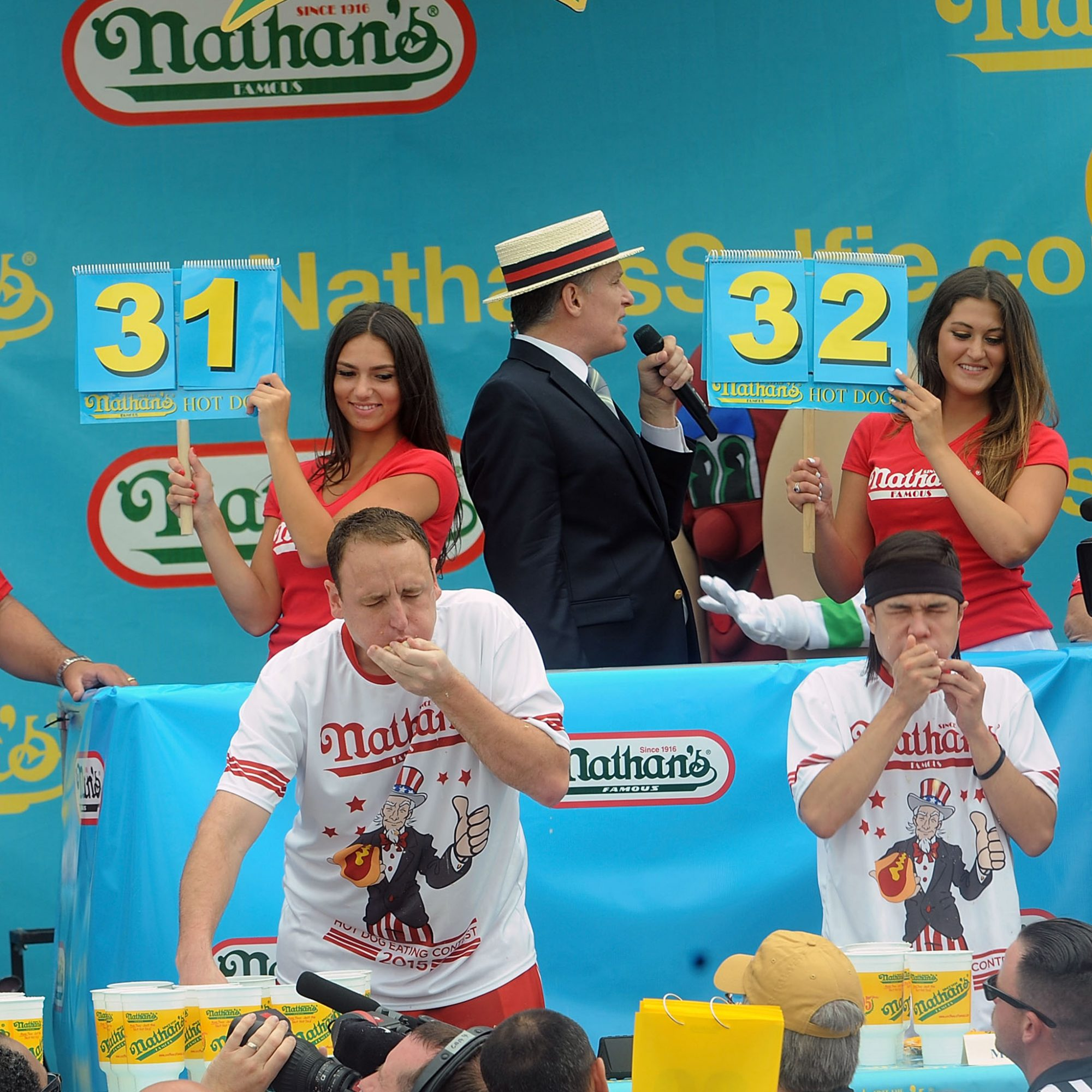 nathans-hot-dog-eating-contest-fwx-2