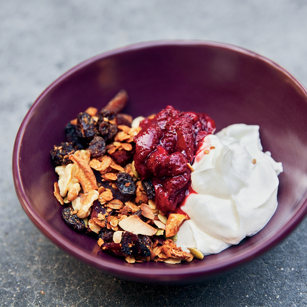 breakfast bowl, breakfast, hangover cures, granola, strawberry