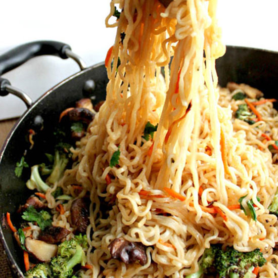 15-Minute Ramen and Vegetable Stir-Fry