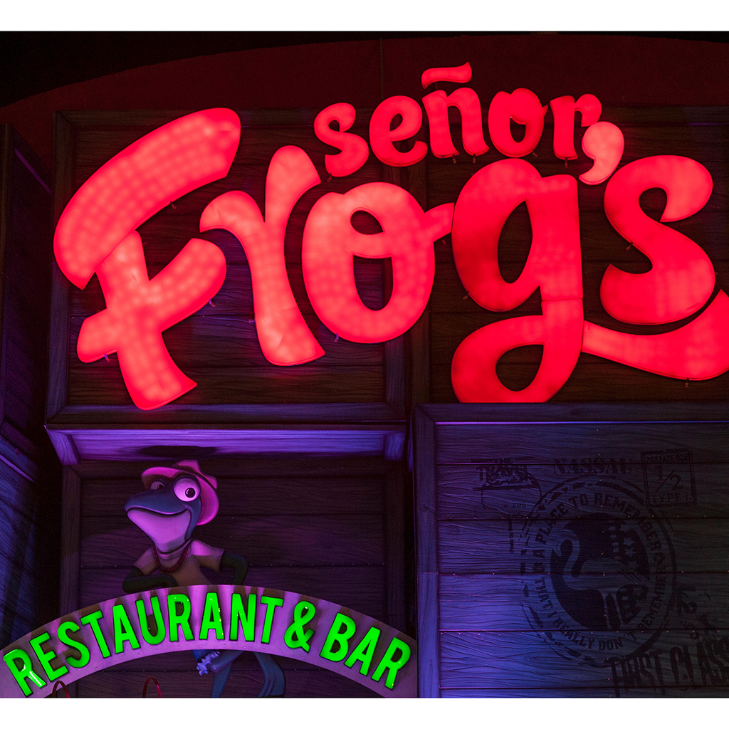 SENOR FROGS AND PETE WELLS FWX