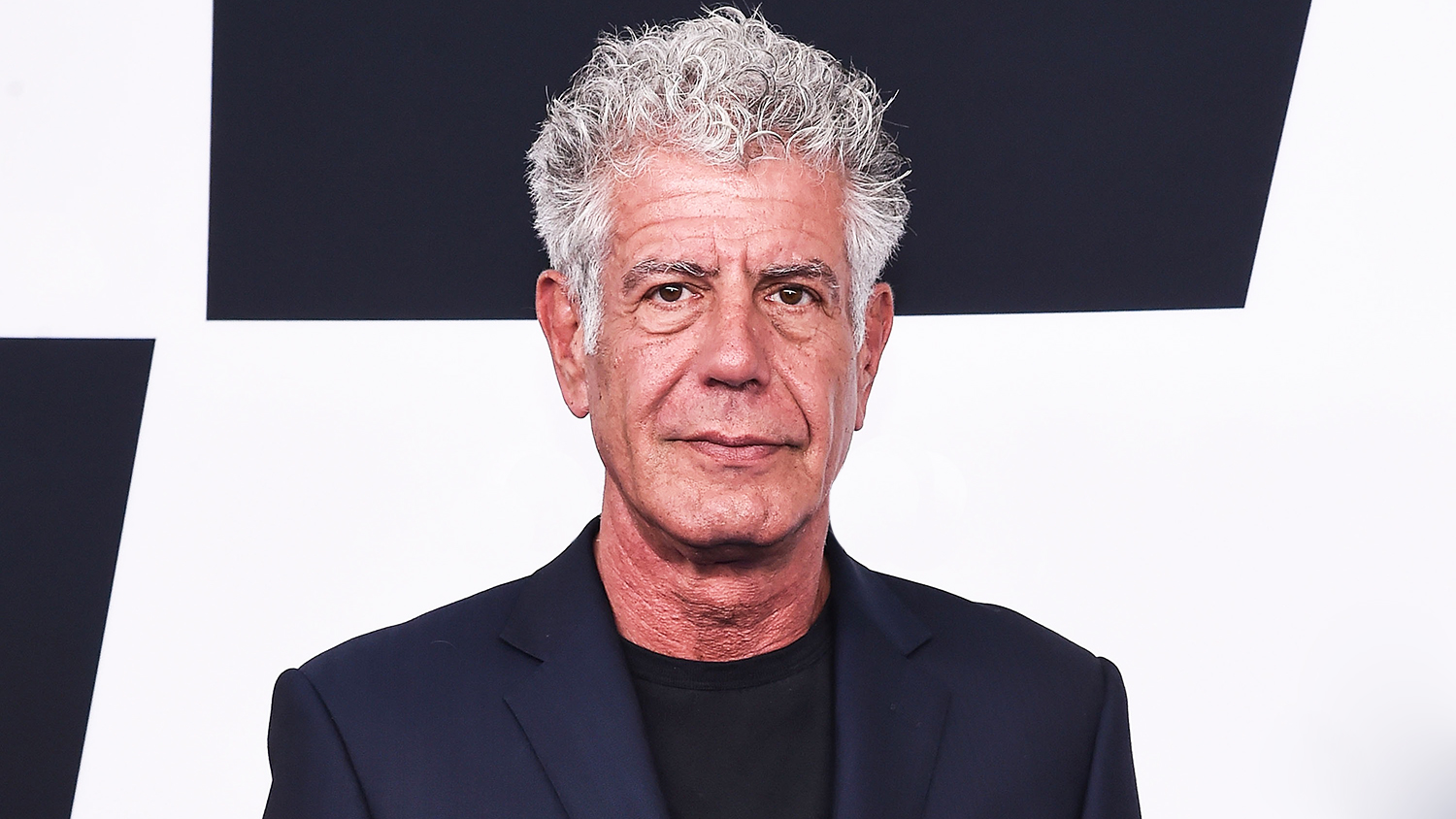 Anthony bourdain 39 s rule for drinking whiskey with ice for 4 designhotel anthony s