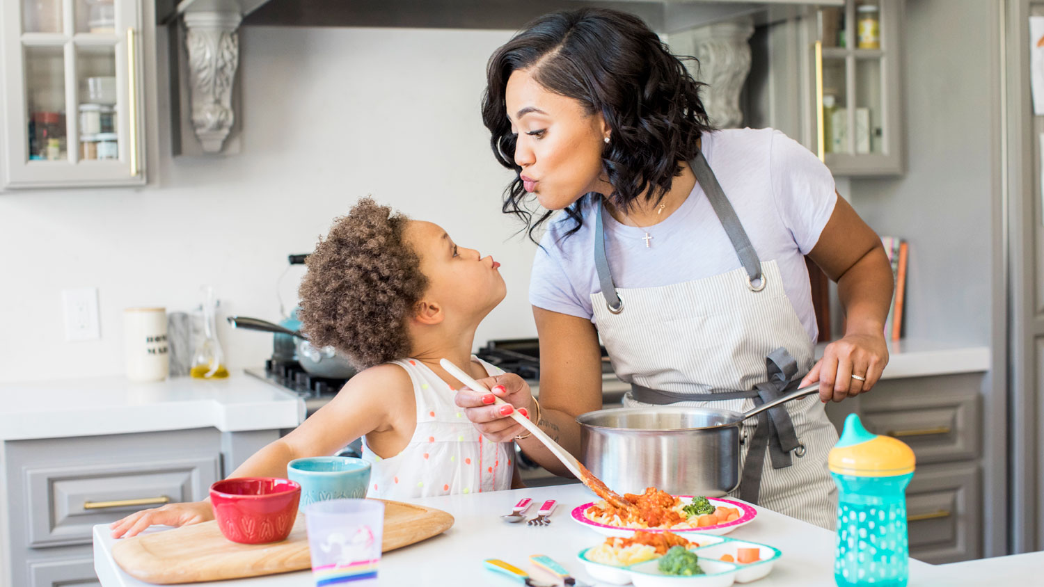 ayesha curry and riley curry