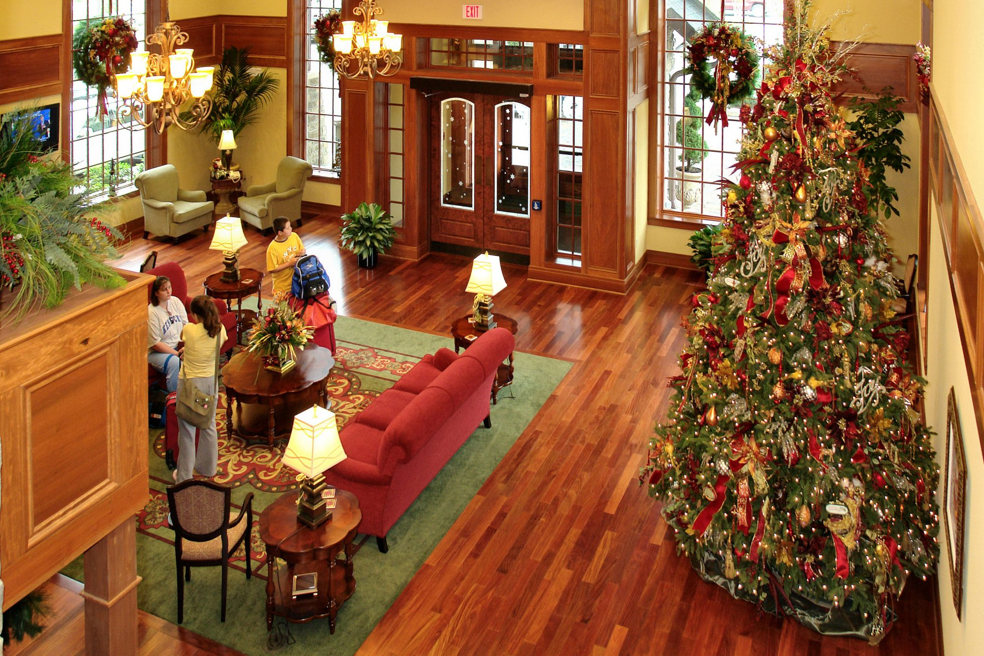 Celebrate Christmas Year-Round at This Very Merry Tennessee Hotel
