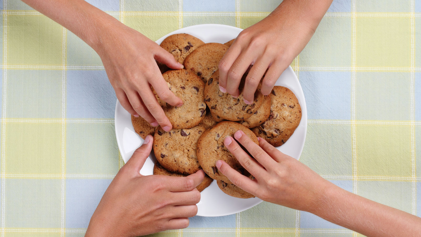 There's an Etiquette to Taking the Last Cookie from the Break Room