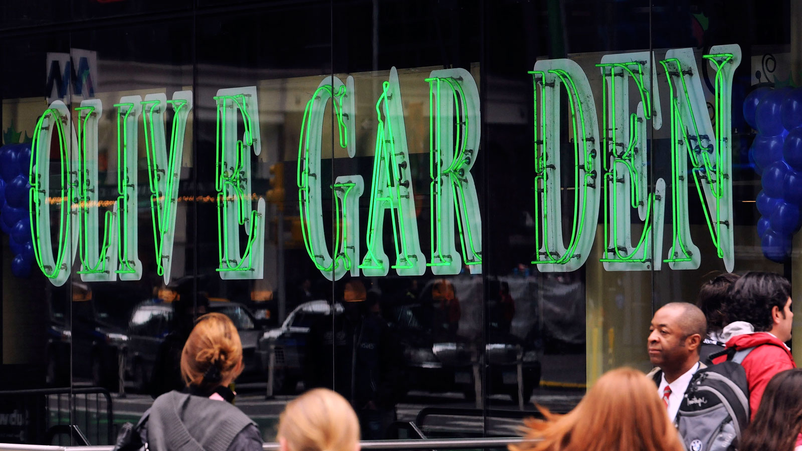 I Ate Alone at the Times Square Olive Garden for Ten Days, and I'm Different Now