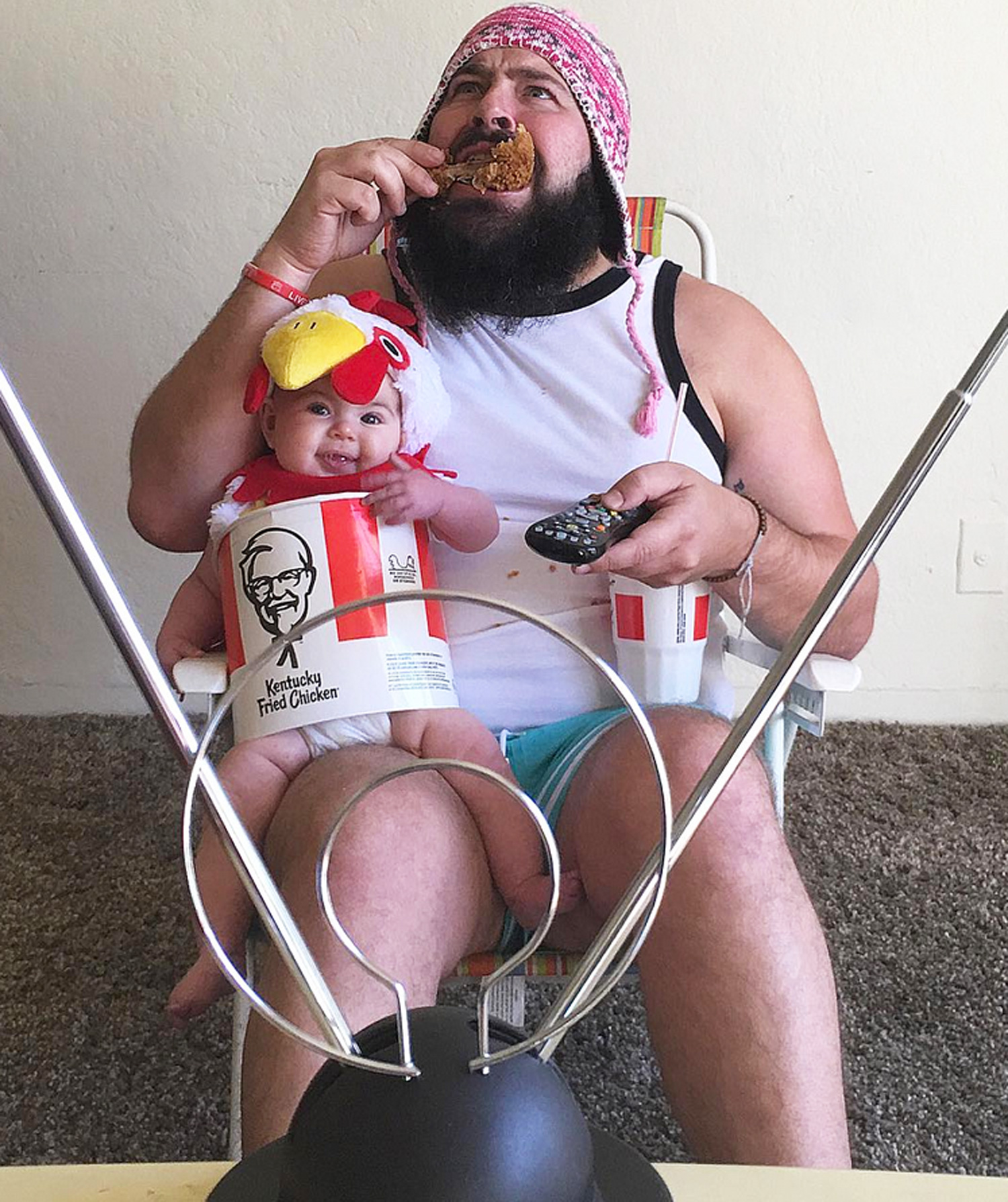 California Dad Dresses Baby as KFC Takeout (and More!) in Greatest Daddy-Daughter Shoot: 'She Loves Every Second'