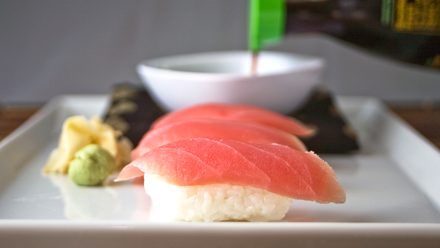 master vs novice in tuna sushi