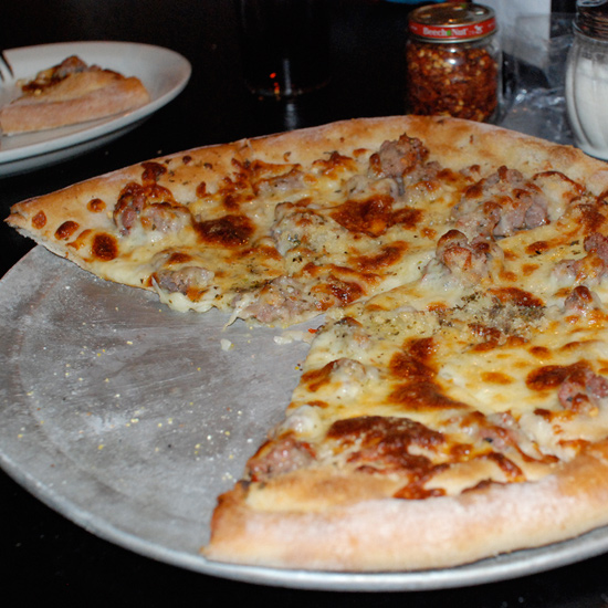 Boston: Santarpio's Pizza
