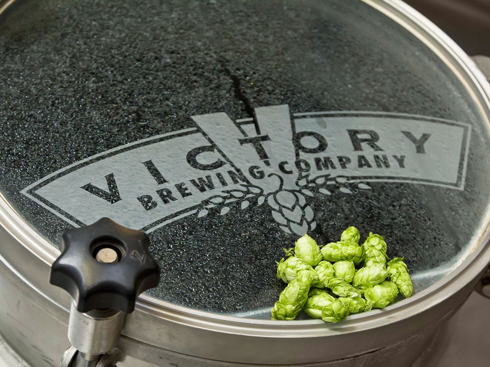 southern tier and victory brewings team up for innovative brewery