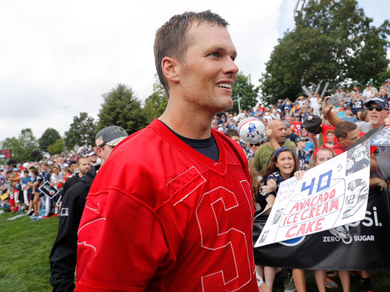 Tom Brady Is Secretly an Expert Beer Chugger