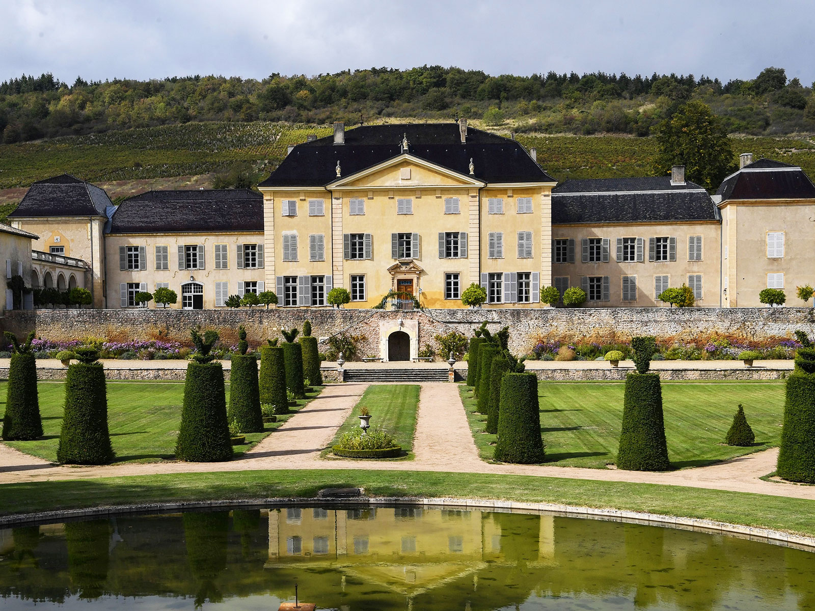 chateau de la chaize sold