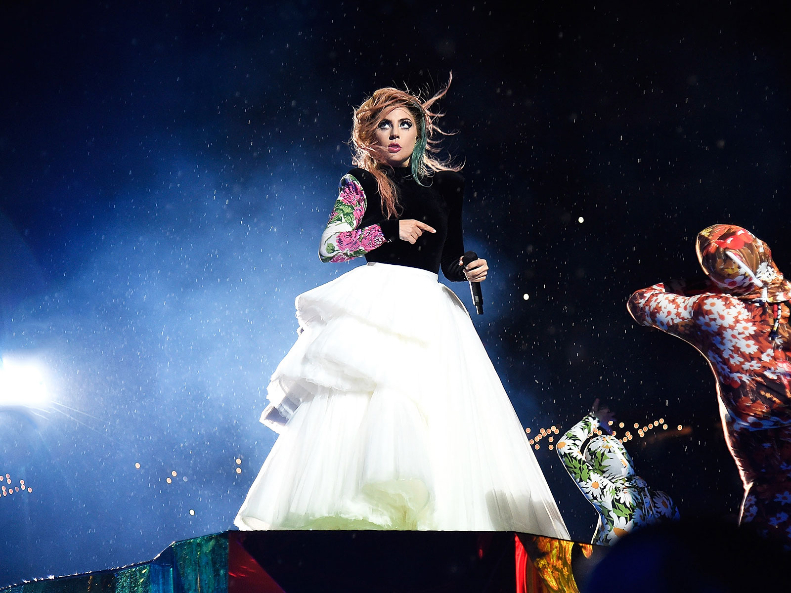 Lady Gaga Apologizes for Canceling Show with Pizza