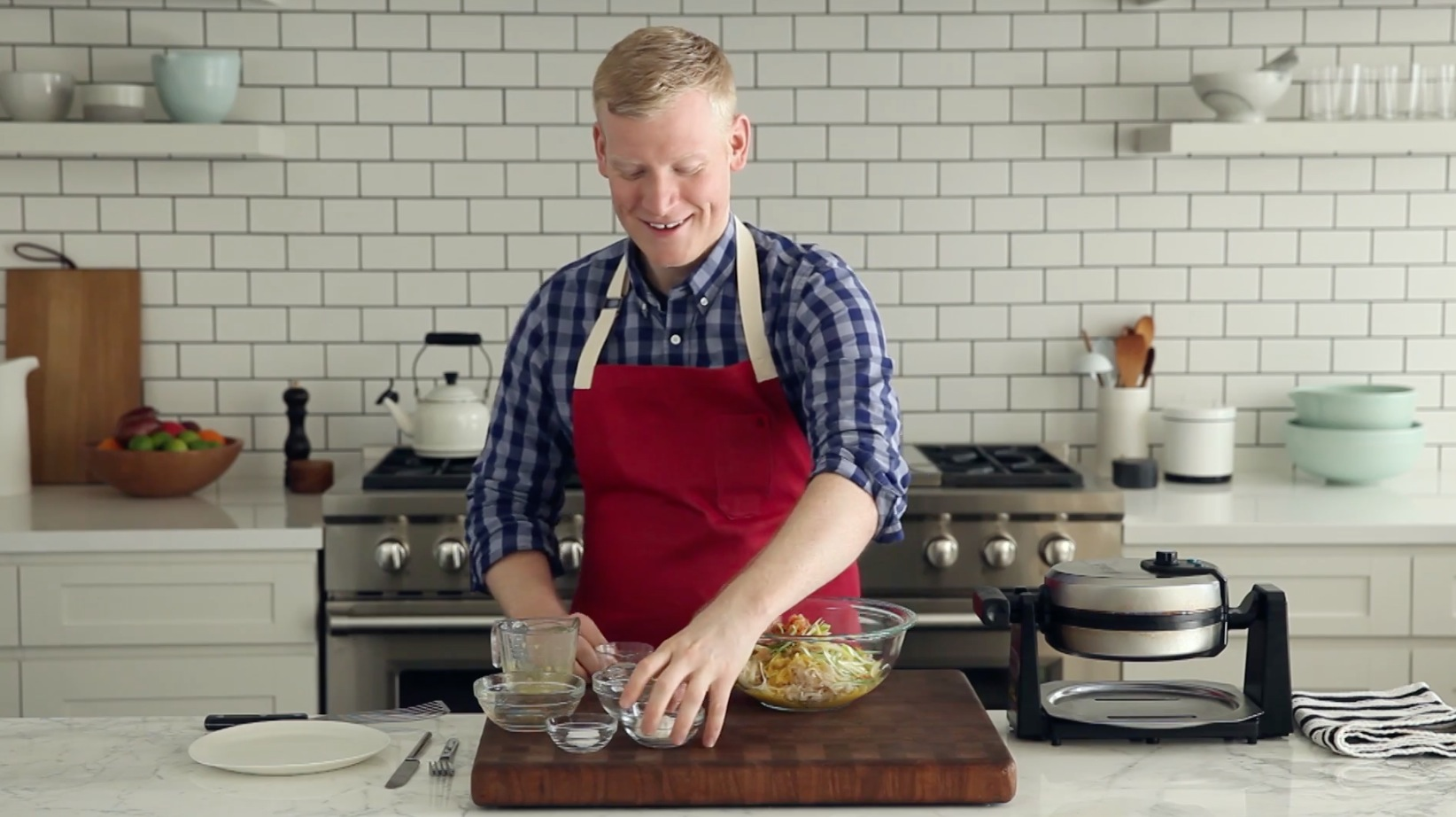 How to Make Kimchi Hash Browns in a Waffle Iron [Video]