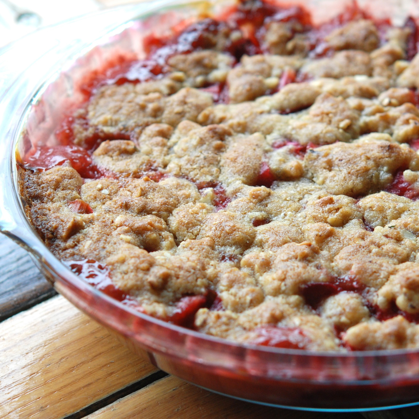 original-201207-r-zimmern-early-summer-strawberry-rhubarb-crumble.jpg