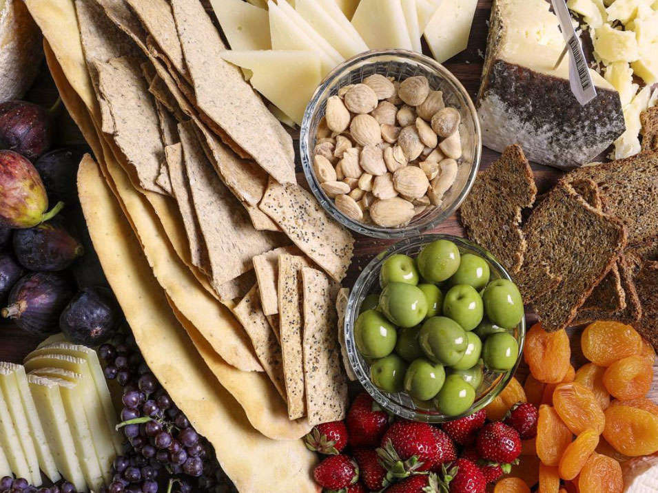 Everything You Need to Build a Beautiful Cheese Board Presentation