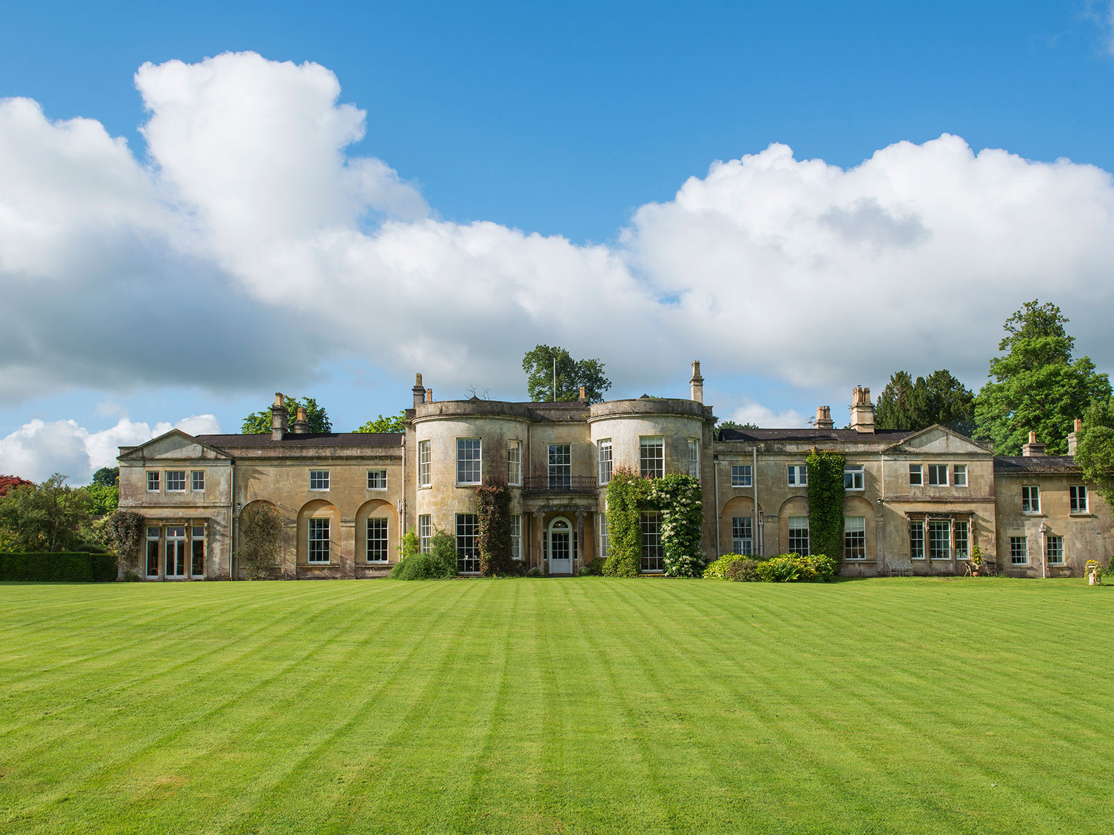 great british bake off mansion for sale
