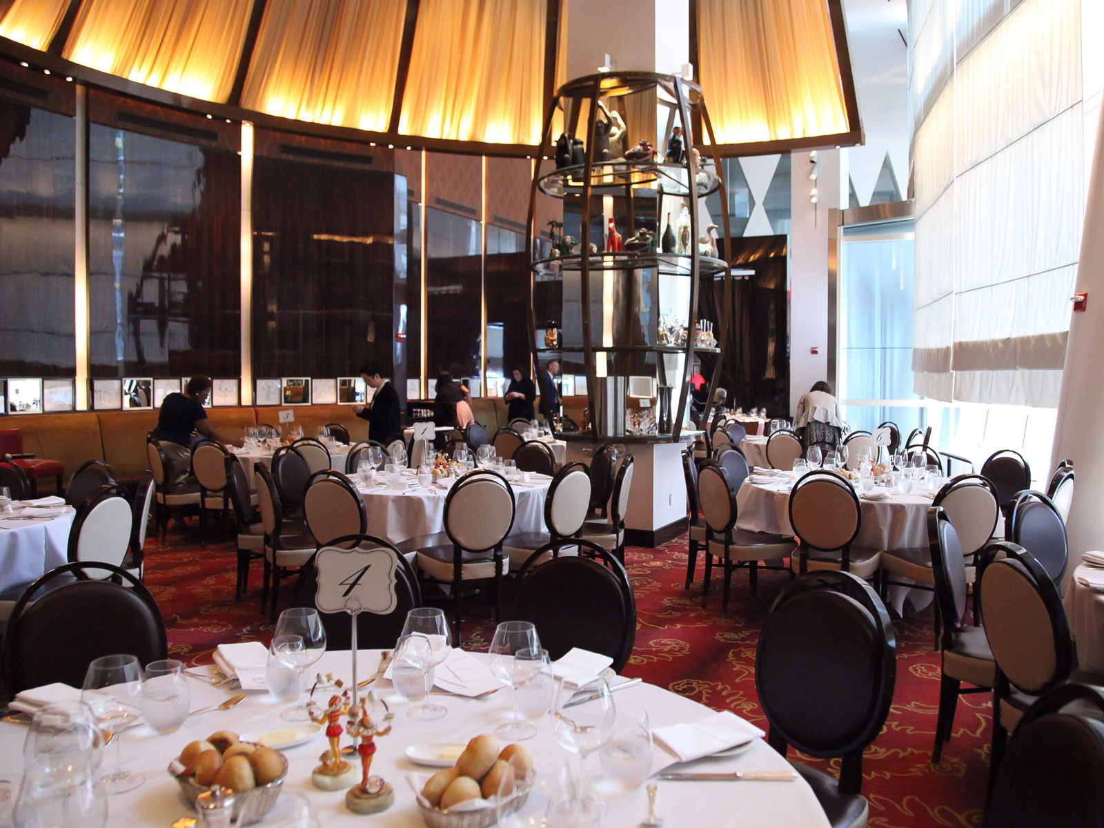 New York's Seminal French Restaurant Le Cirque Is Closing Its Current Location
