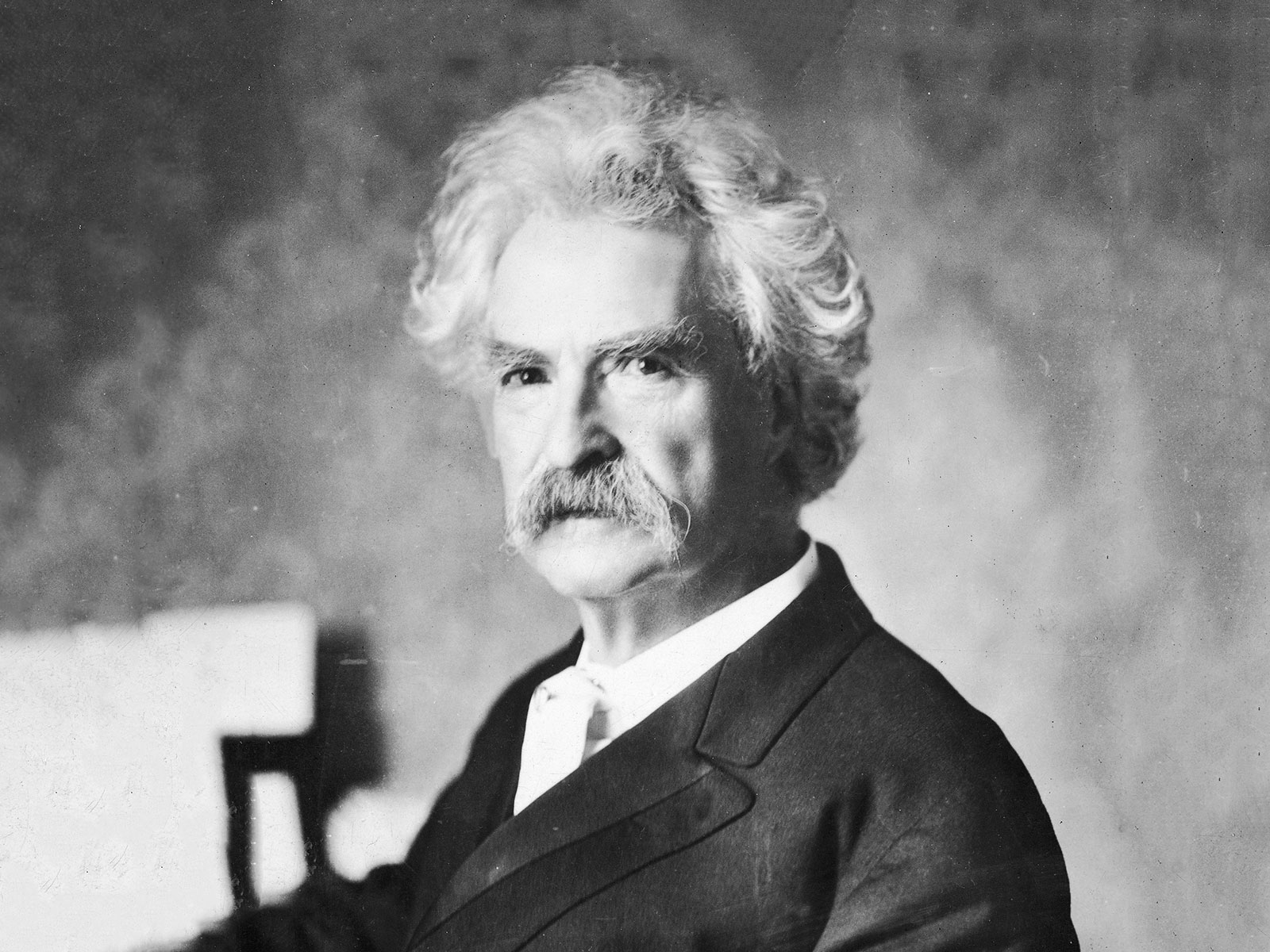 photograph of Mark Twain