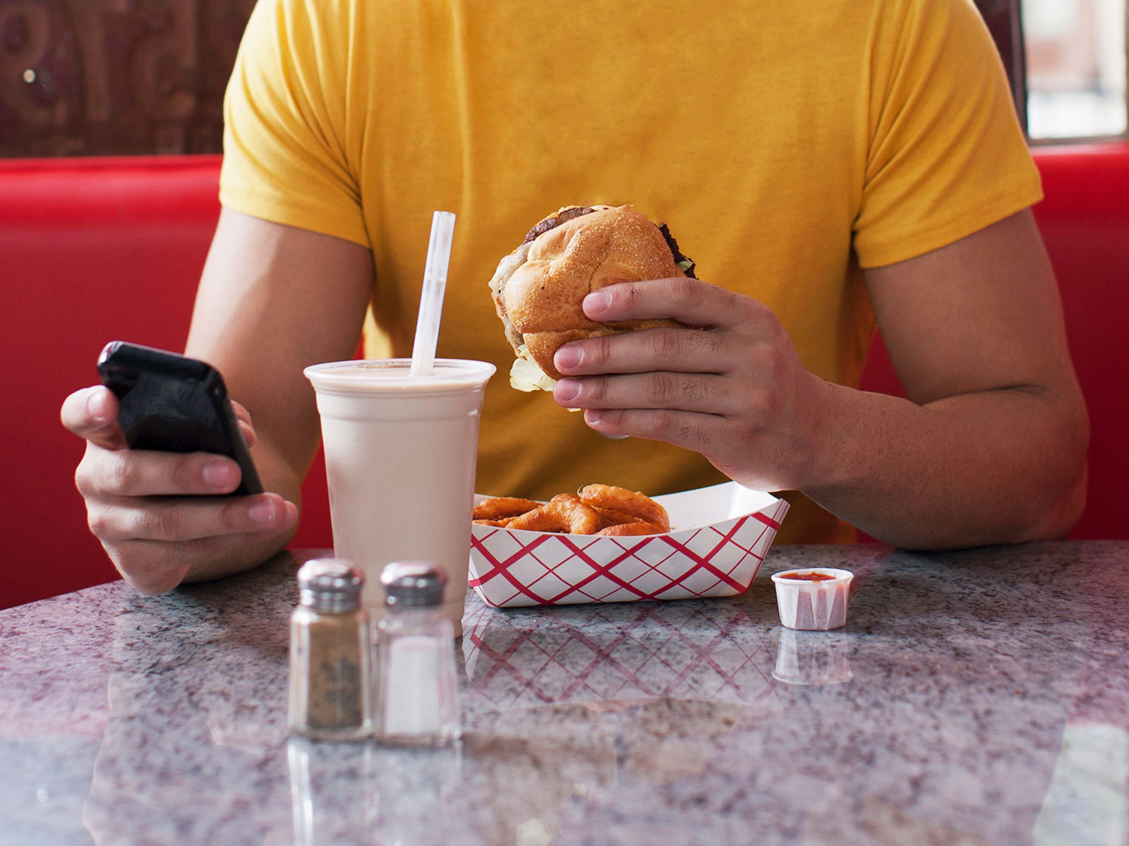 popular fast food restaurants on social media