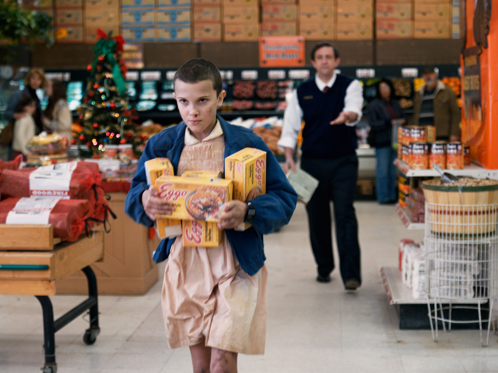 stranger things scene with eleven and waffles