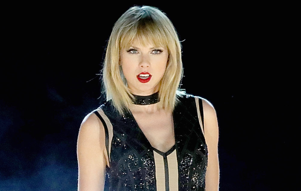 Taylor Swift films new music video in North London kebab shop