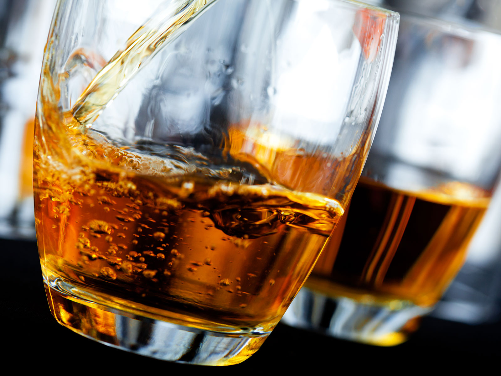 5 Ways Modern Whiskey Makers Are Bending the Rules