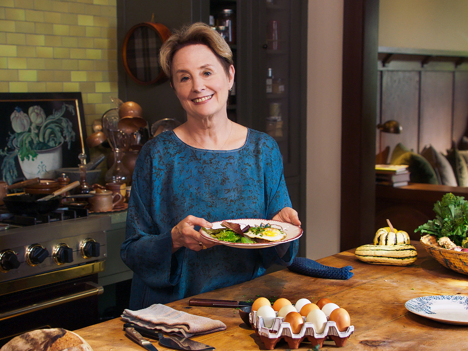 Watch Alice Waters Make Her Egg on a Spoon (Yes, That Spoon)