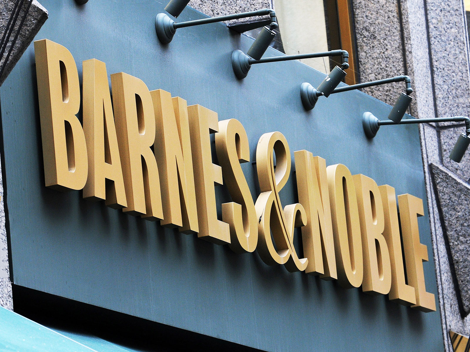 The Barnes & Noble of the Future Is a Restaurant with Books | Food ...