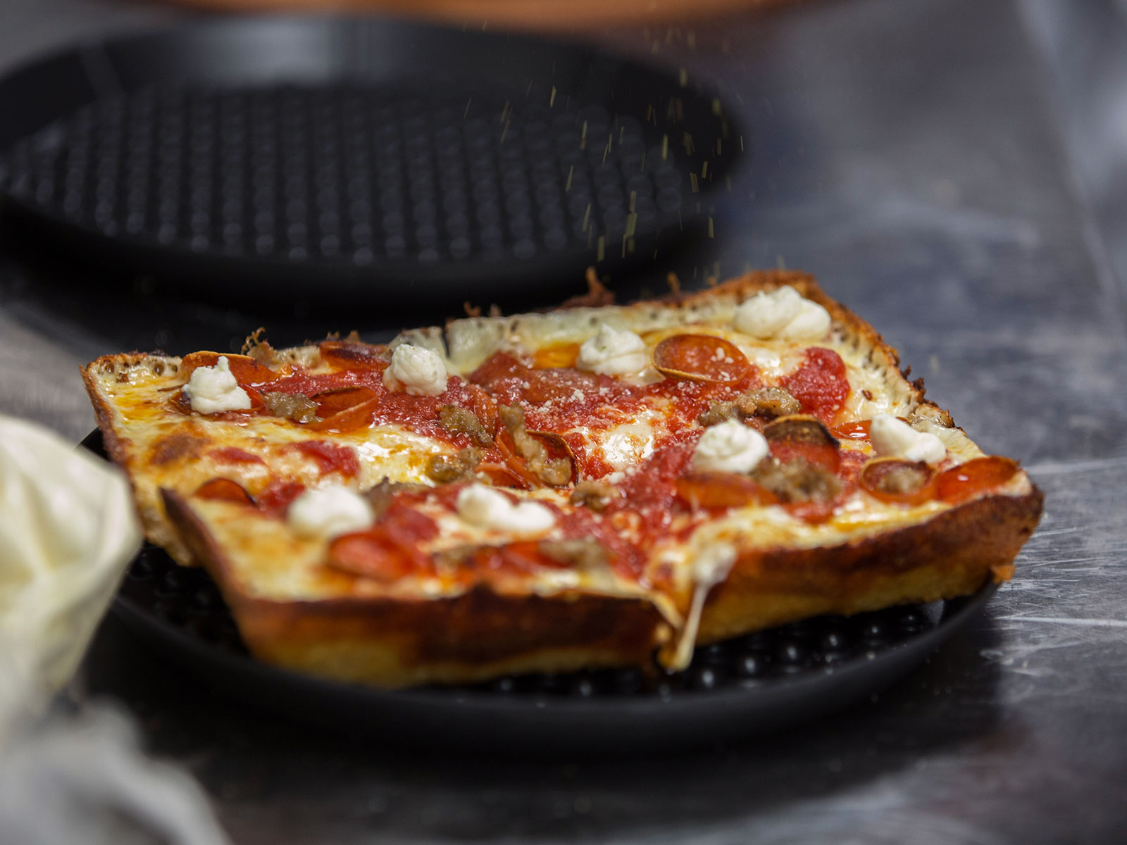 Prepare to Fall in Love With This Underappreciated Style of Pizza