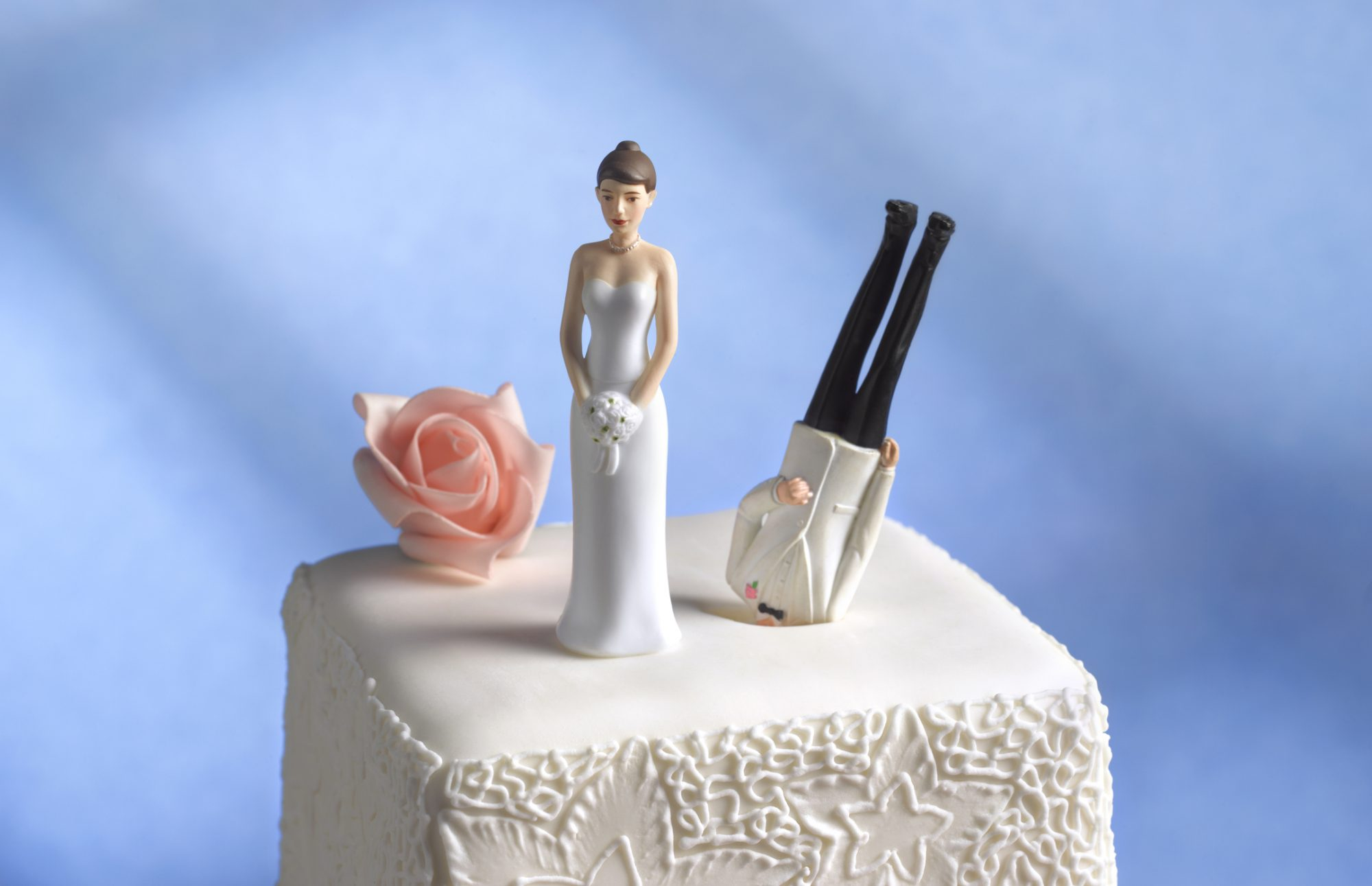 craziest-weddings-cake-blog0517.jpg
