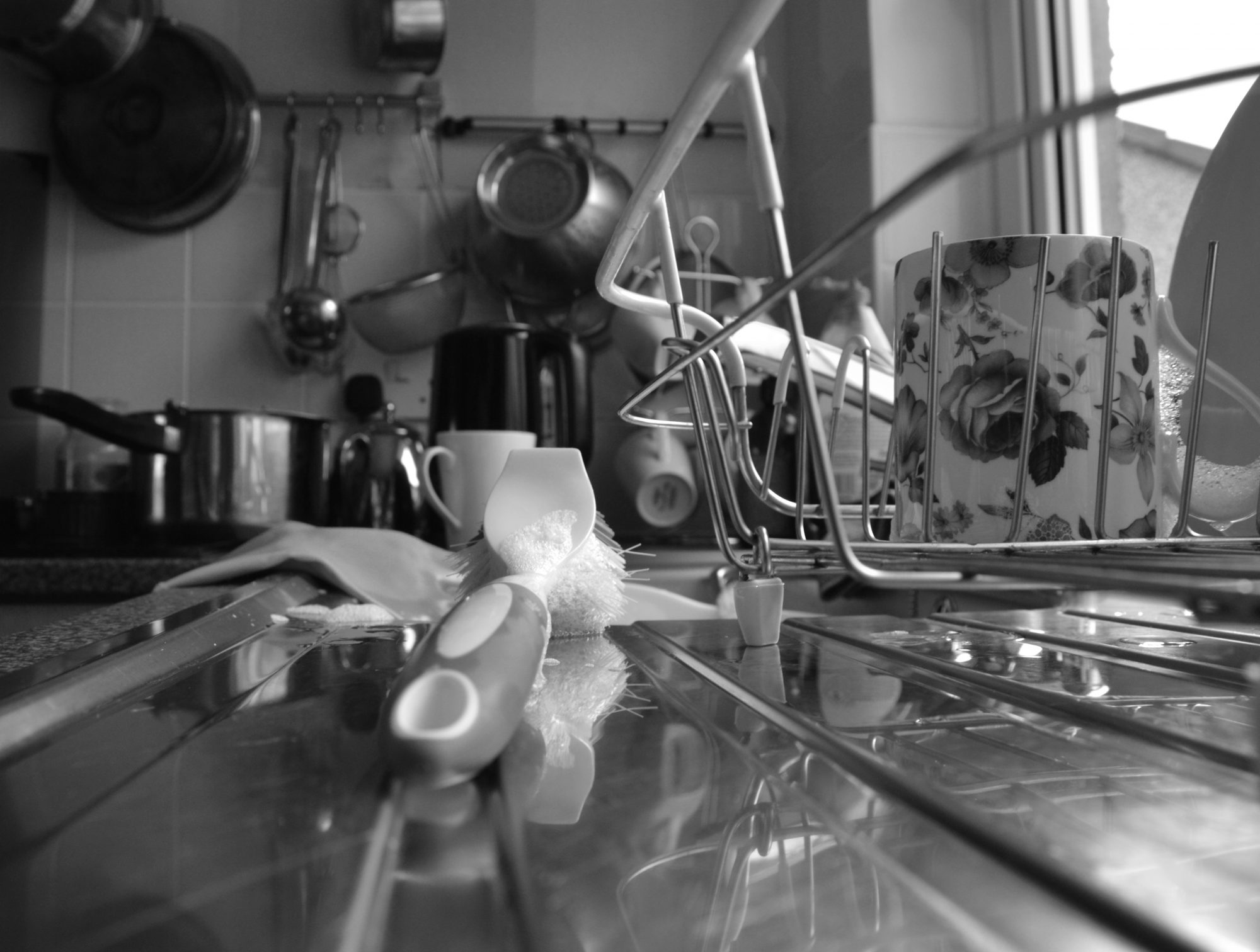 You're Probably Forgetting to Clean These 8 Items in Your Kitchen