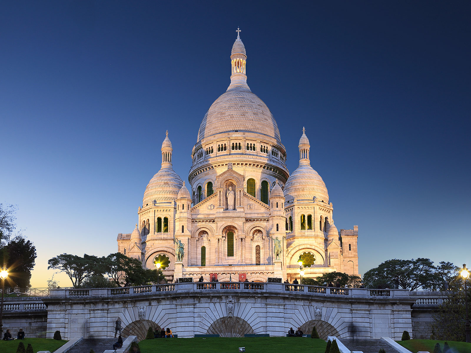 where to eat while sightseeing in paris