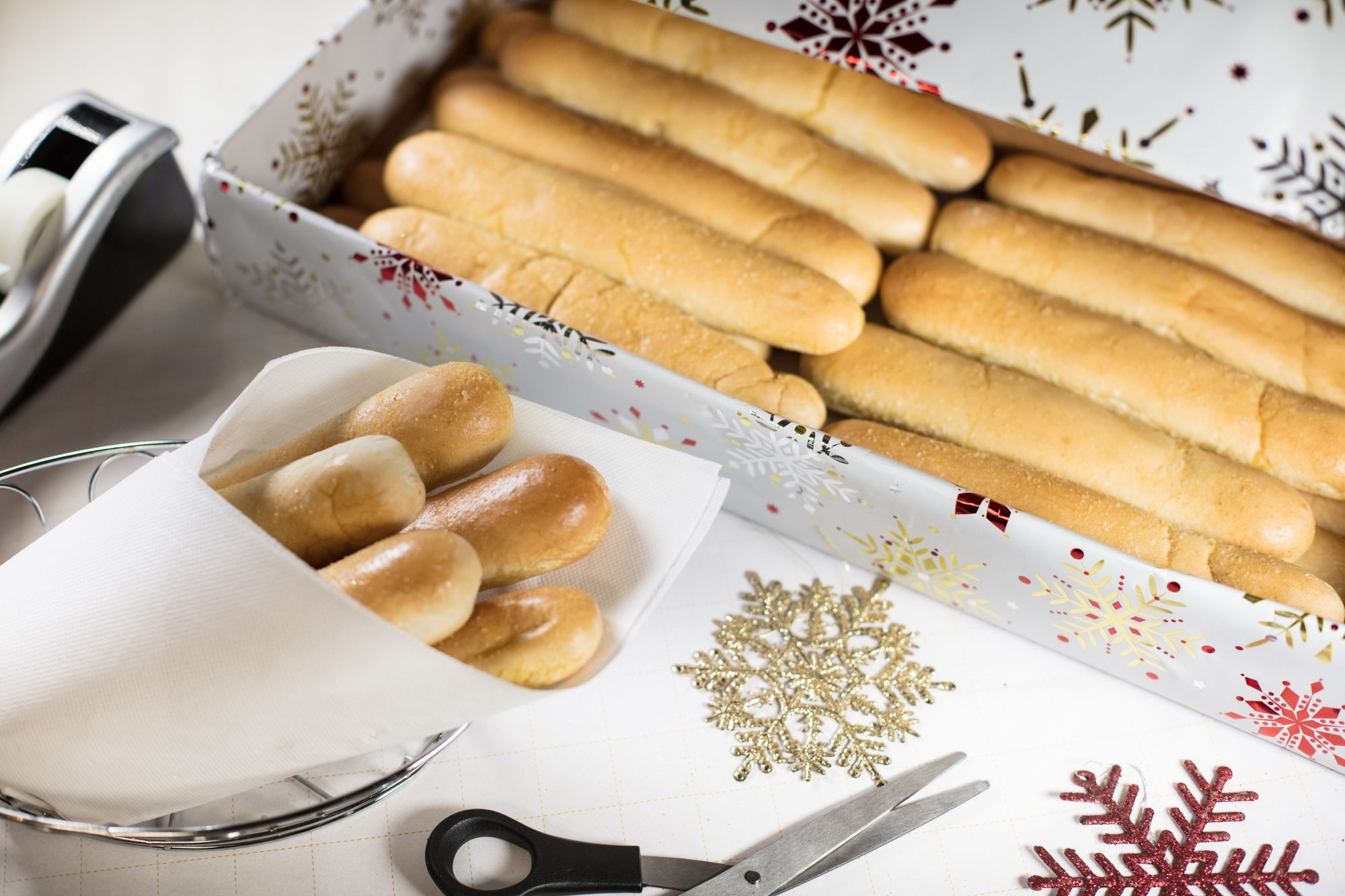 Give the Gift of Olive Garden Breadsticks this Holiday Season