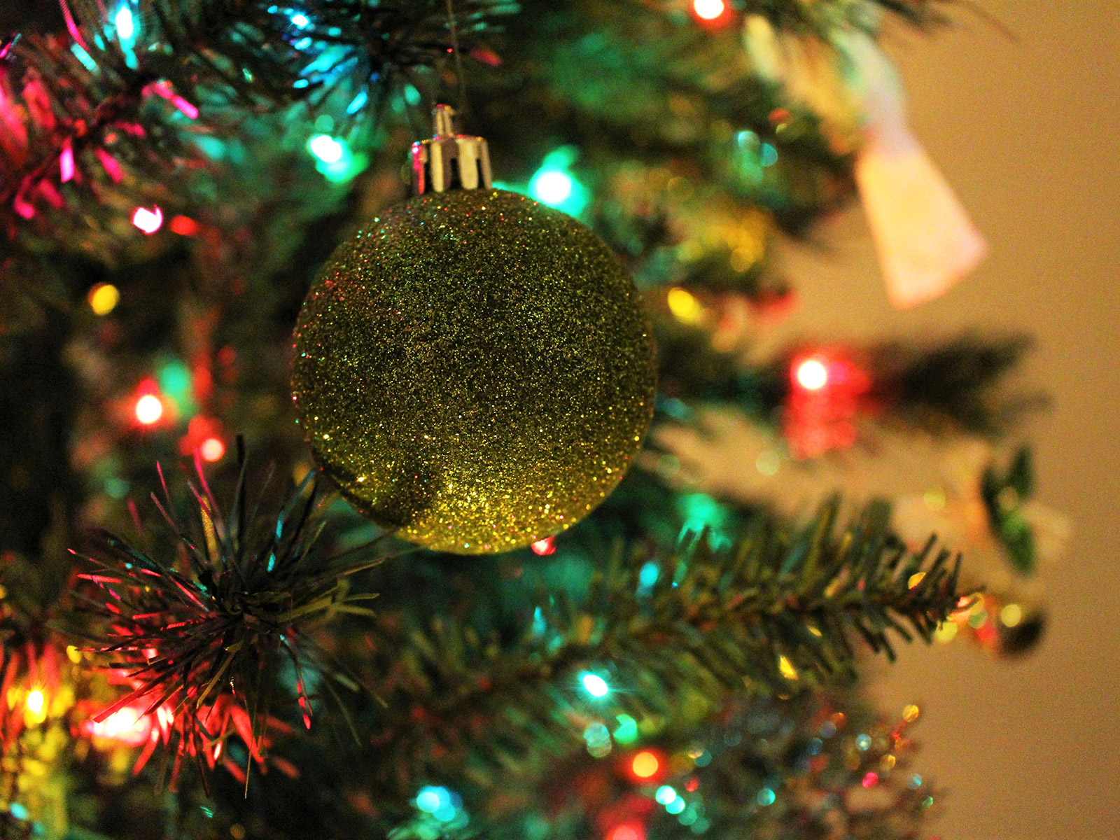 Watch ' s christmas cereal commercials on your tree with