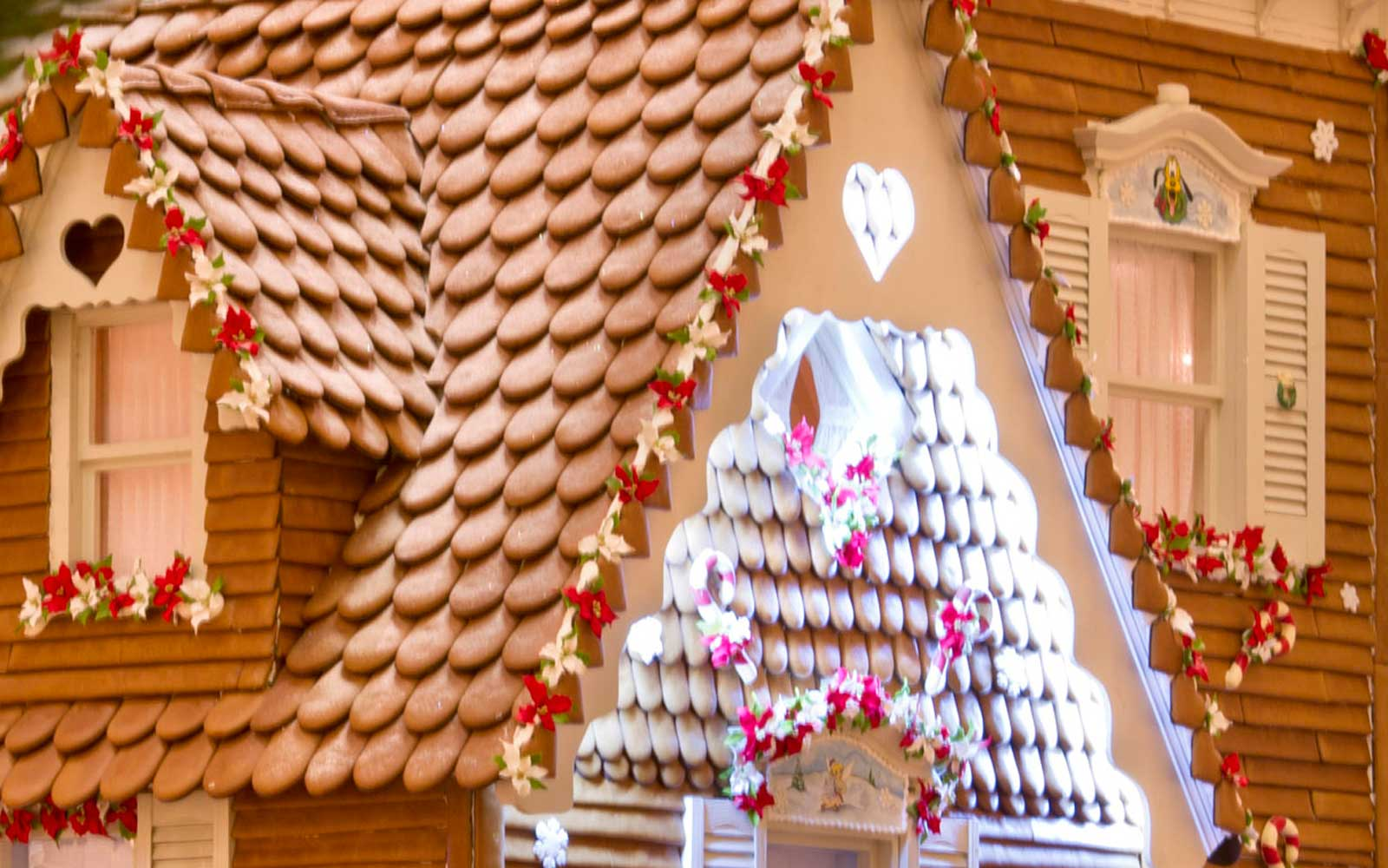 This Life-sized Gingerbread House Will Have Hansel and Gretel Planning a Trip to Disney World