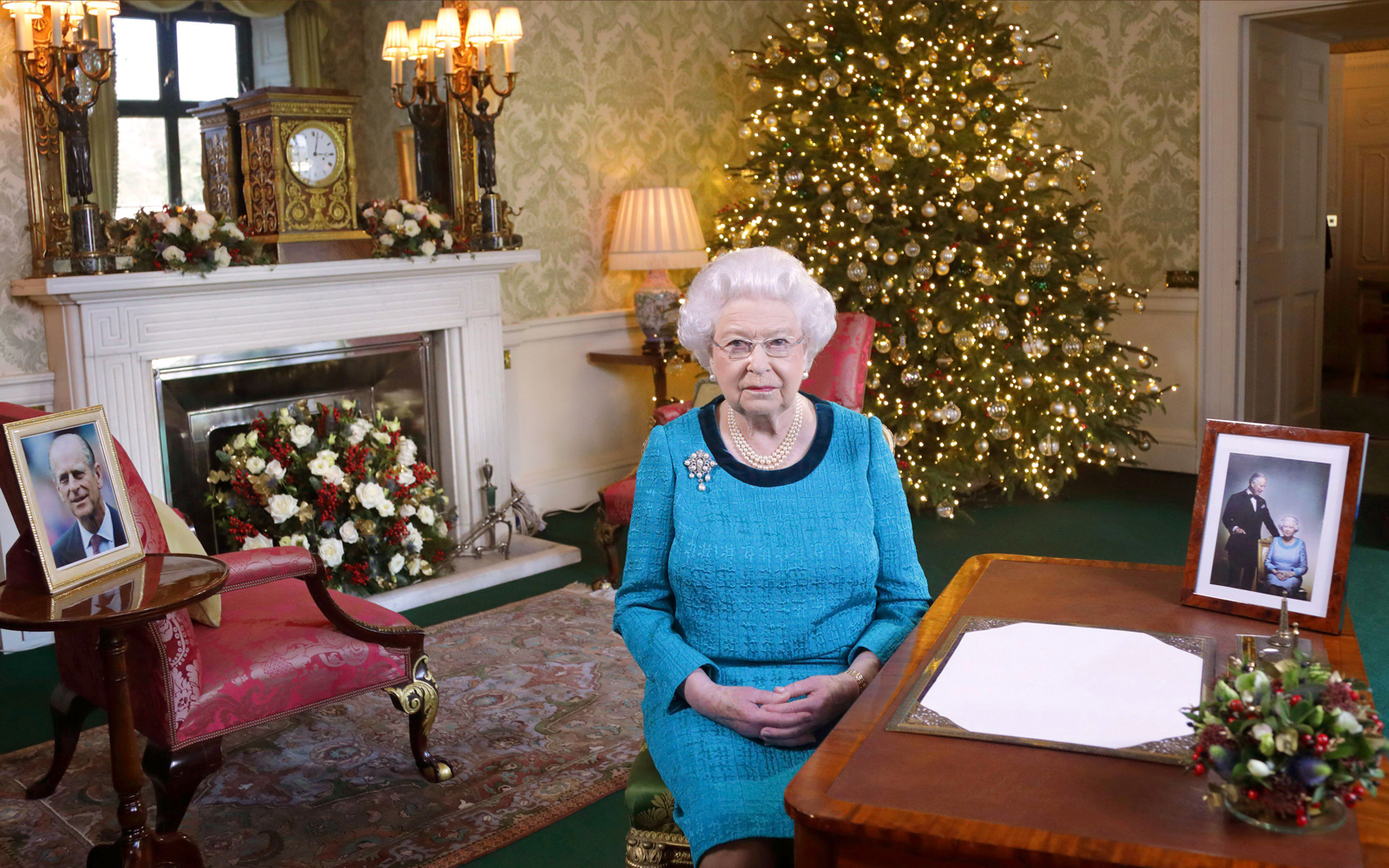 Queen Elizabeth II Christmas Photo