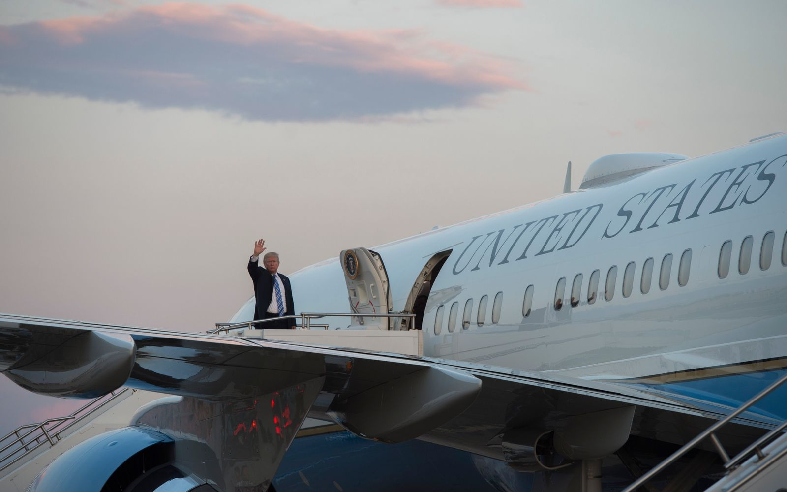 Two New Refrigerators for Air Force One Will Cost $24 Million