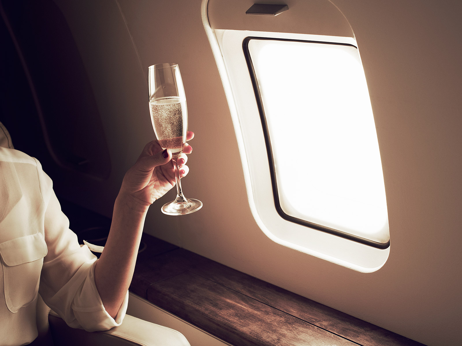 american airlines free wine and beer