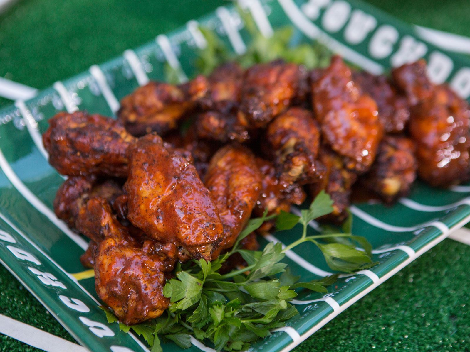 Here's How Many Wings We'll Eat During the Super Bowl