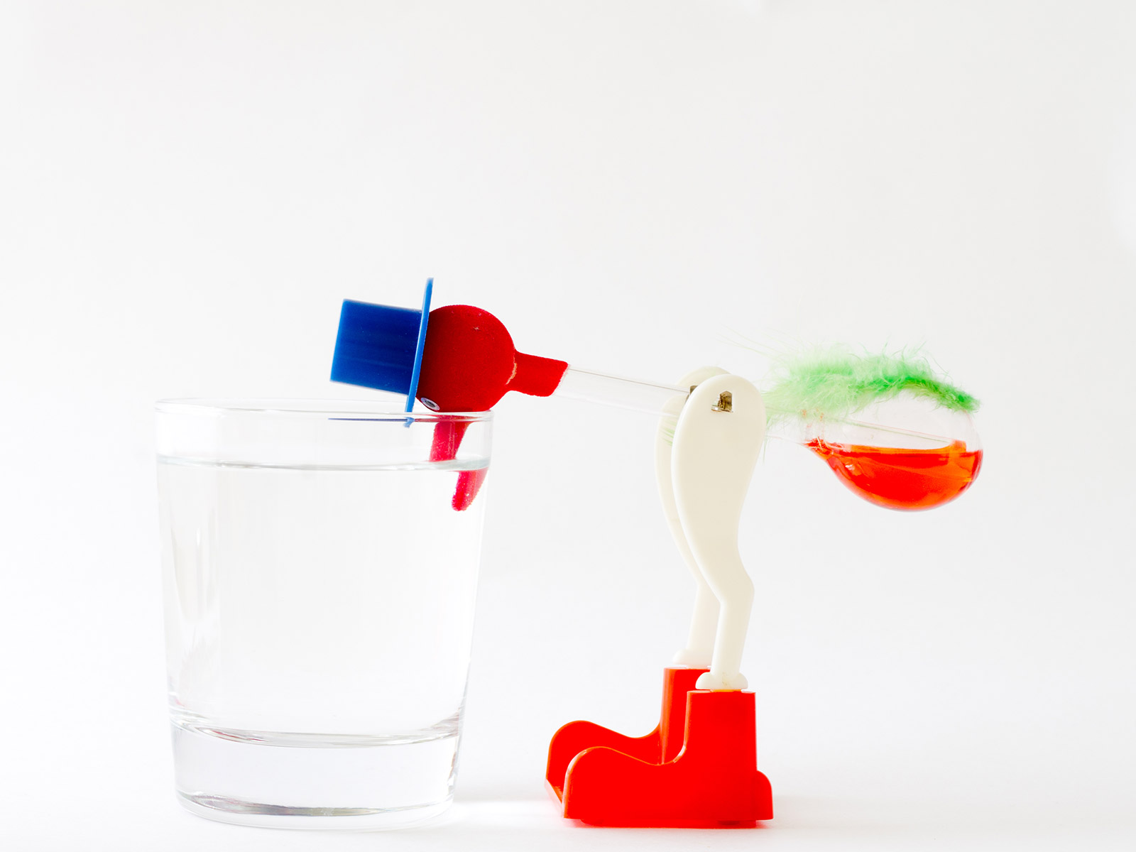 Learn How the 'Drinking Bird' Toy Works in This Incredibly Informative Video