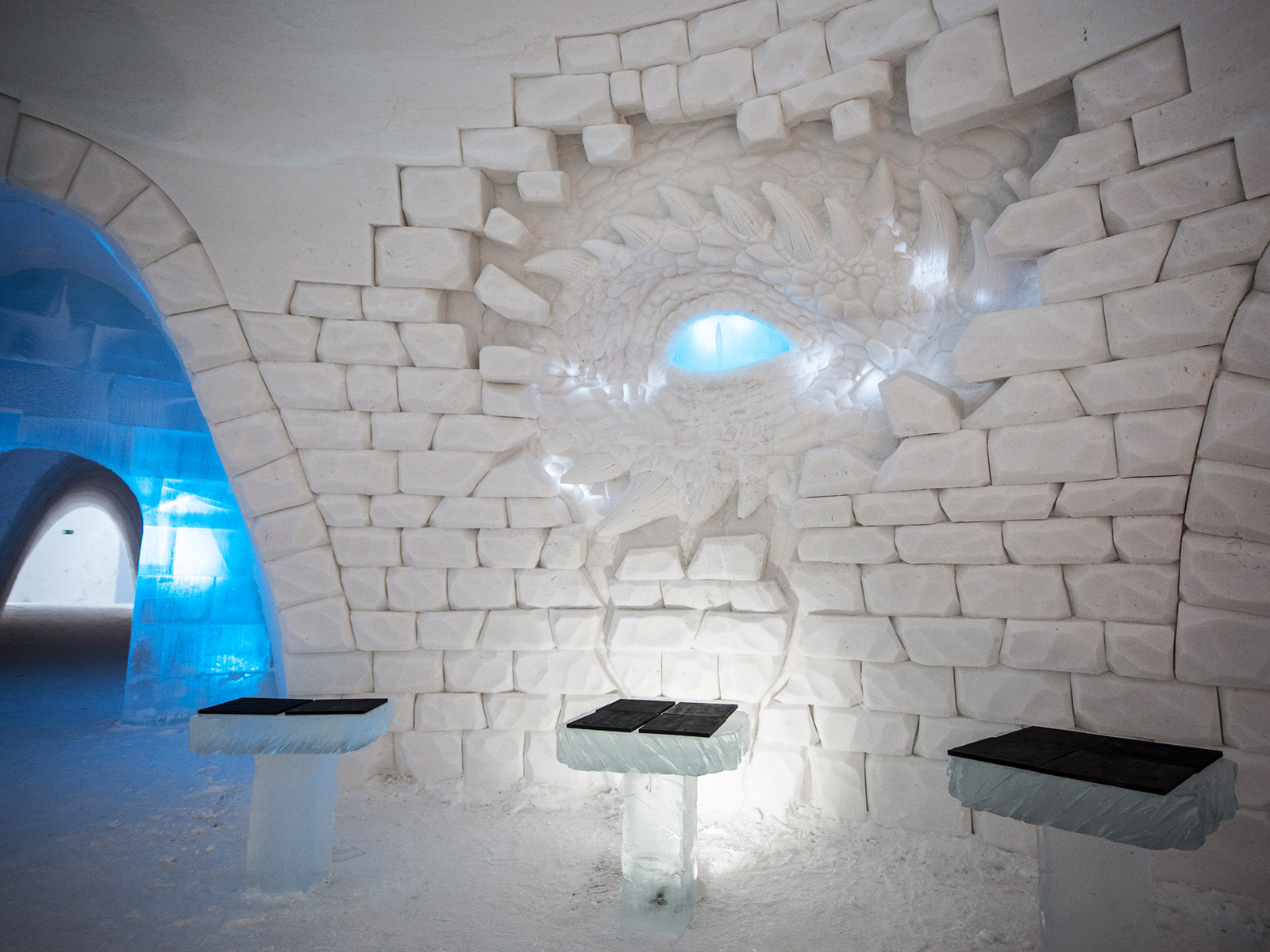 blue eye dragon white walker bar seating